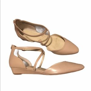 Size 8.5 Adrienne Vittadini Nude Pointed Toe Shoes
